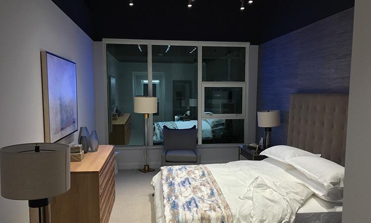 showroom-lightbox-before
