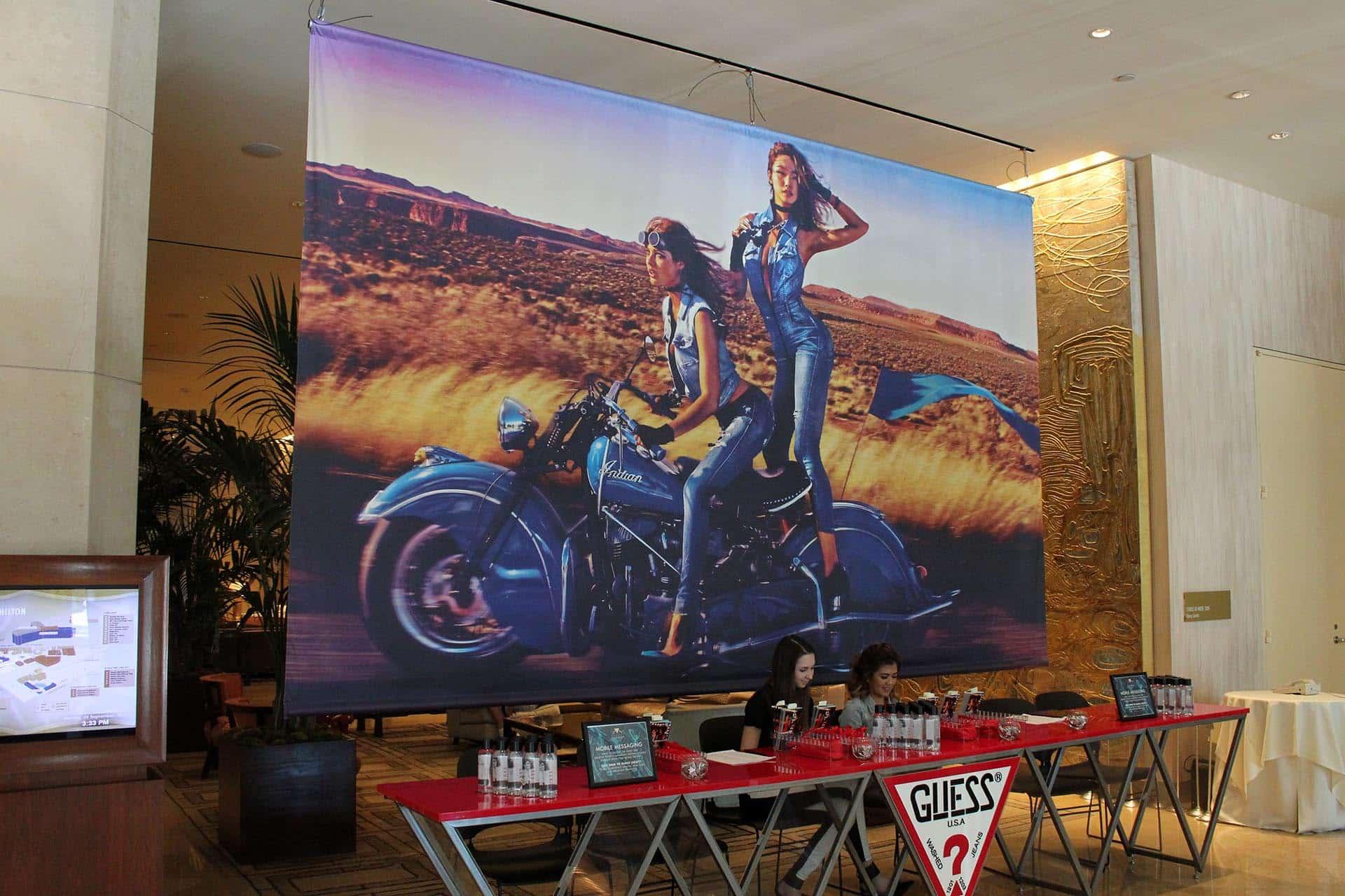 hanging-banner-event-backdrop