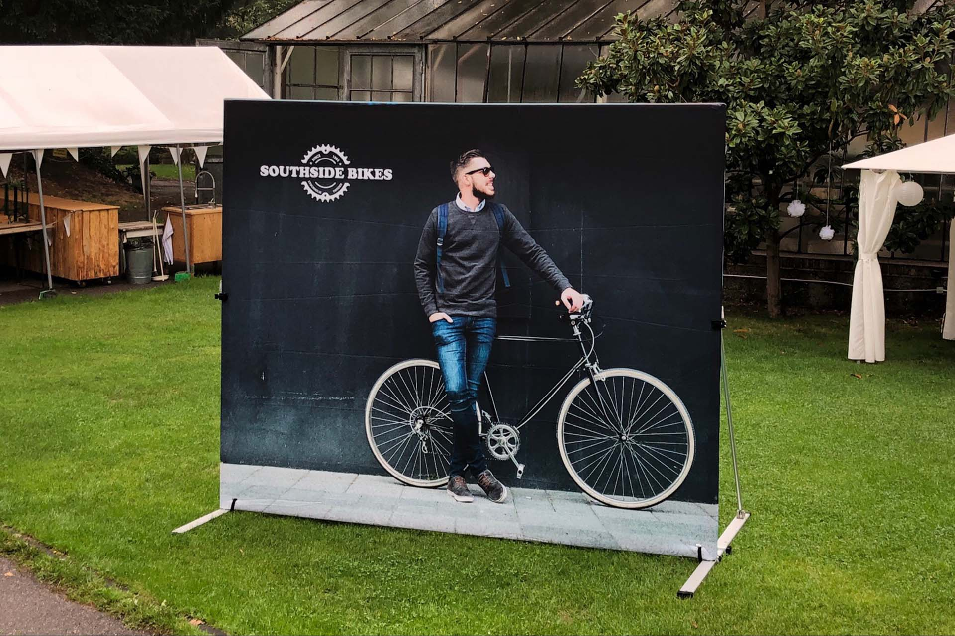 outdoor-banner-stand-2